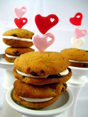Bubble and Sweet: Peanut Butter choc chip Whoopie pies