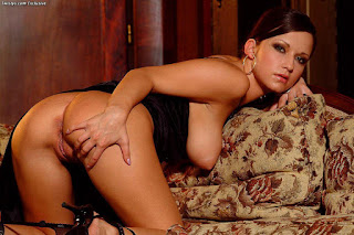 FreeSex Pics - sexygirl-lucie8_18-760135.jpg
