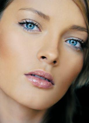 maquillage pour mariee yeux bleus