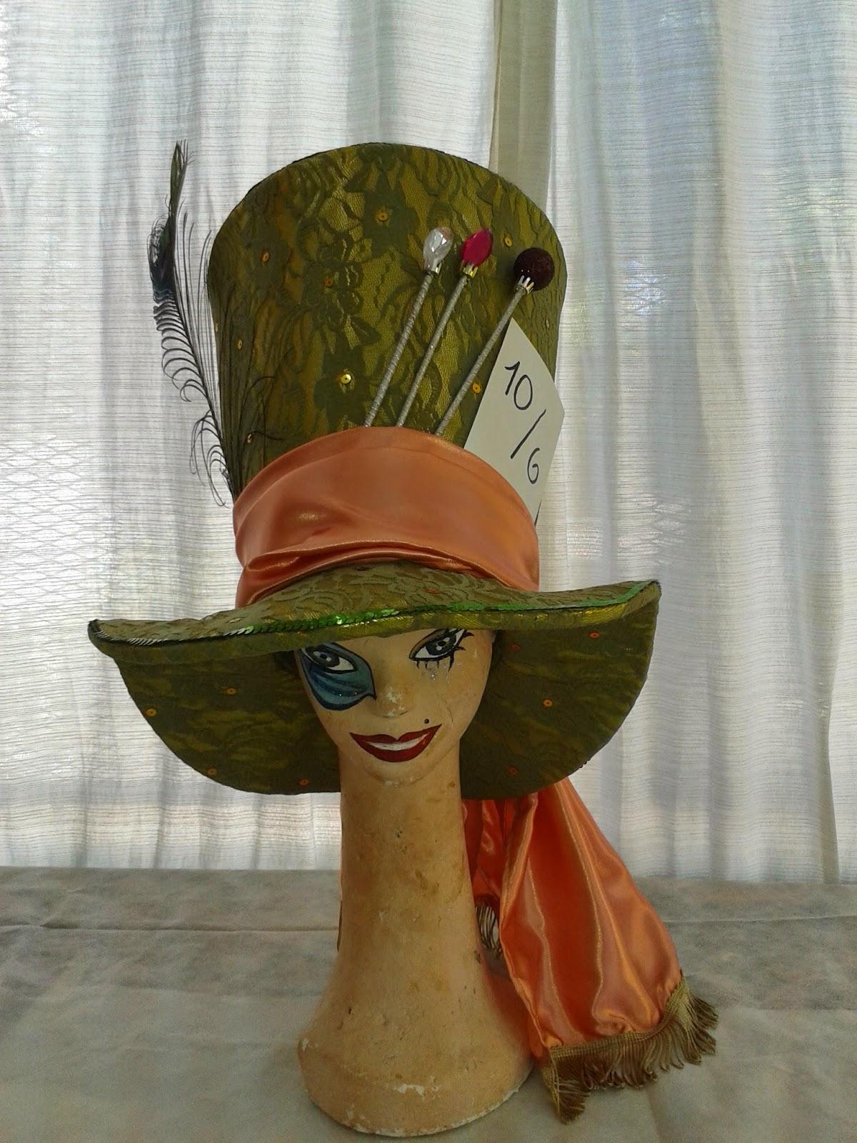 Gorro en goma espuma forrado en tela de Sombrero Loco (Alice in Wonderland) 86c581b3e03