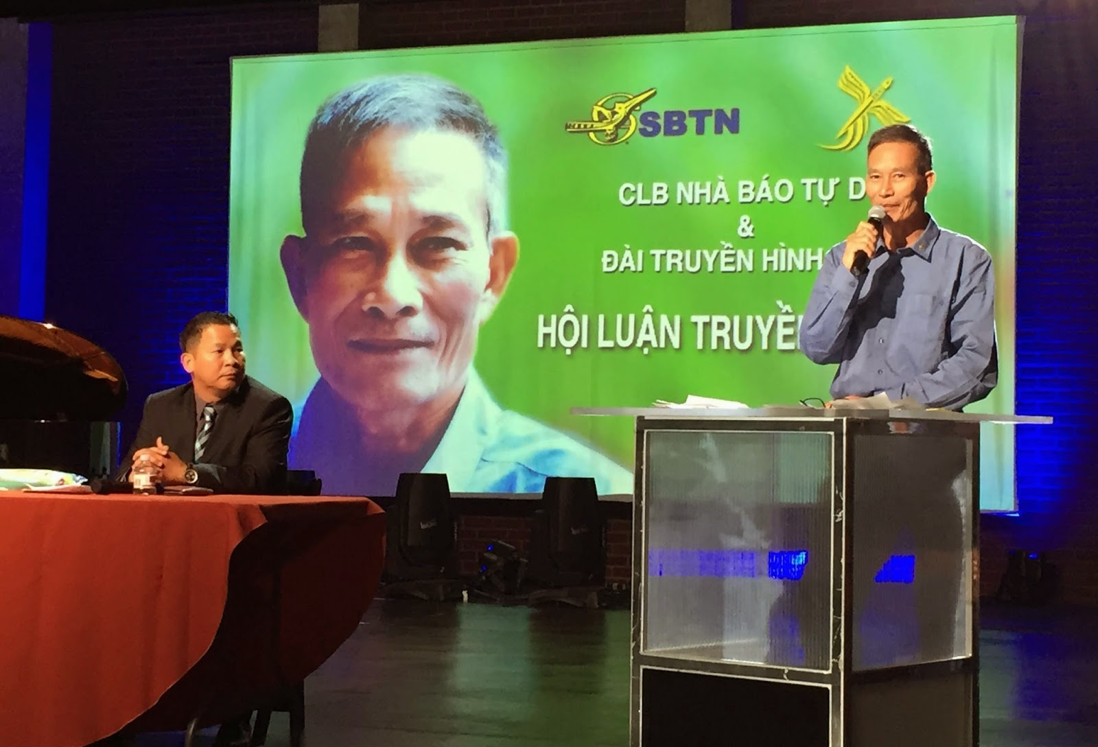 Free Journnalist Nguyen Van Hai at the News and Communication forum