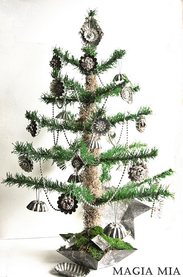 Christmas tree decked out in baking tart tins and chain, by Magia Mia, featured on I Love That Junk