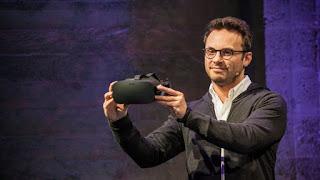 ο επικεφαλής της Oculus ο Brendan Iribe παρουσιάζει το Oculus Rift