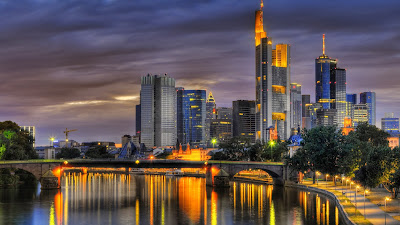 Frankfurt, alemania, trabajo, becas, empleo, internet
