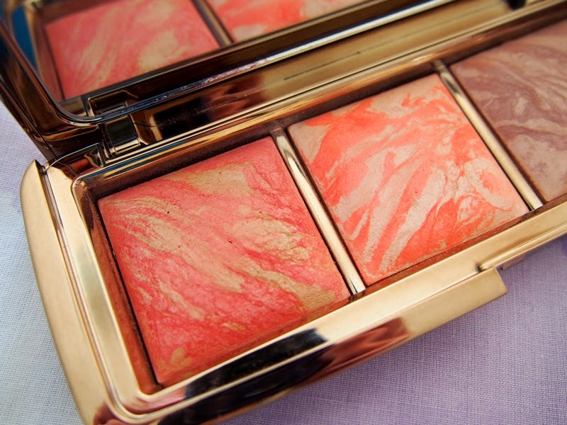 Hourglass Ambient Lighting Blush - Luminous Flush and Incandescent Electra