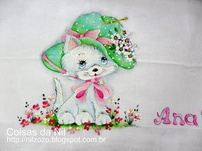 pintura gatinha com chapéu verde