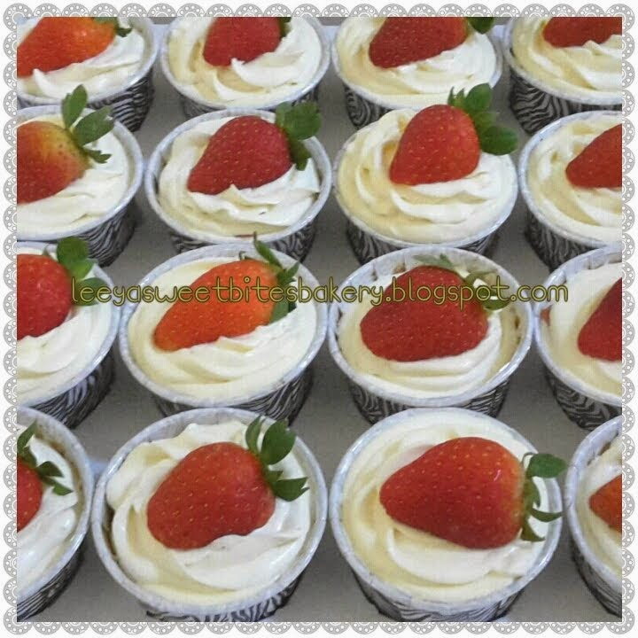 Strawberry Cheese Cupcakes
