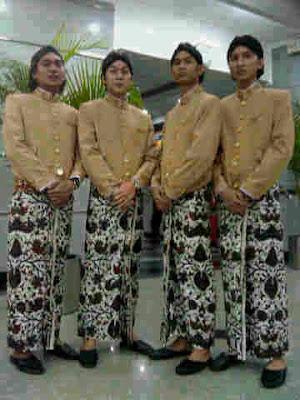 Pakaian Tradisional Jawa Tengah