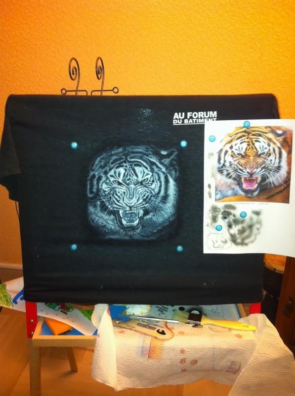 photo(5) tuto et pas a pas tigre sur teeshirt peinture aérographe