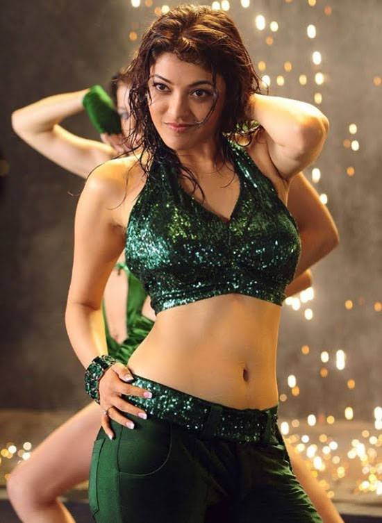 Kajal Aggarwal - Hot Navel Show