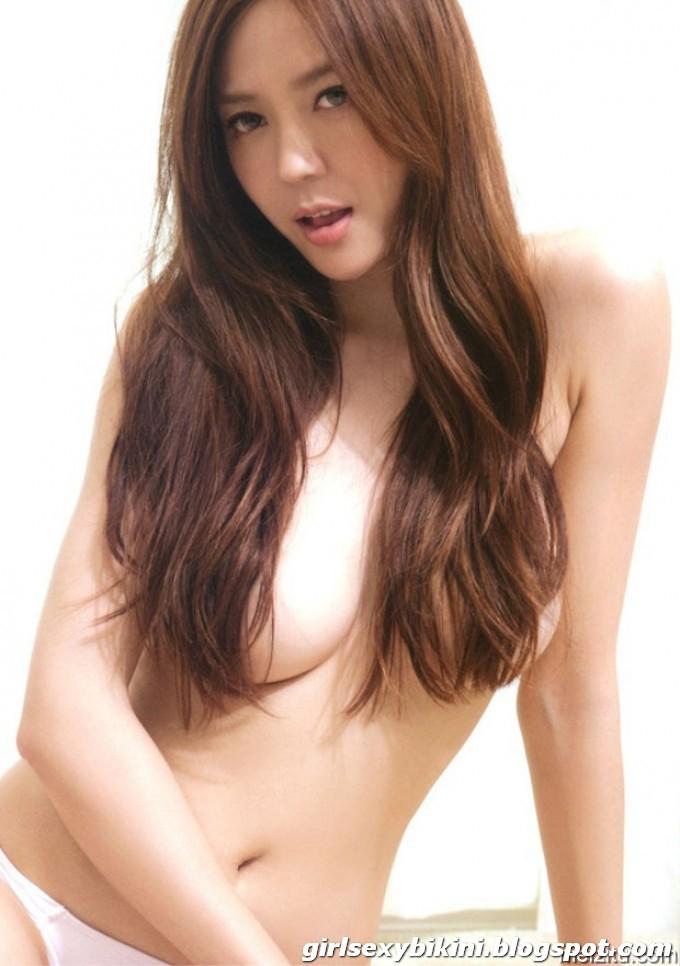Cica Zhou sexy photo