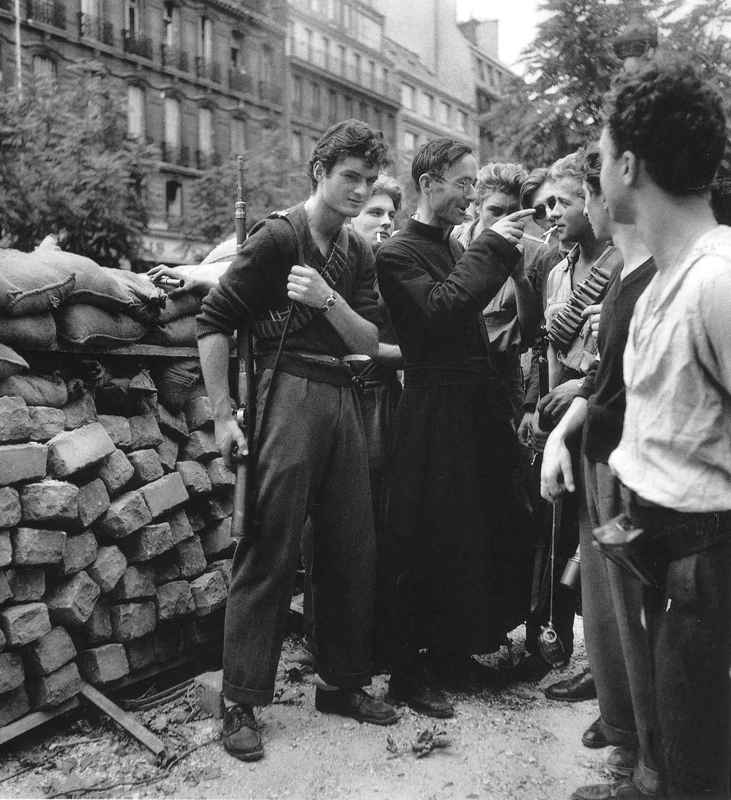 french resistance The french resistance fighters changed the fate of world war two despite a very high risk to themselves resistance fighter were able to subvert and considerably slow and sabotage enemy advances.