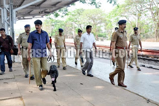 Kasaragod, Protect, Police, Babari-Masjid, District, Busstand, Railway station, Dog, Vehicle, Kerala
