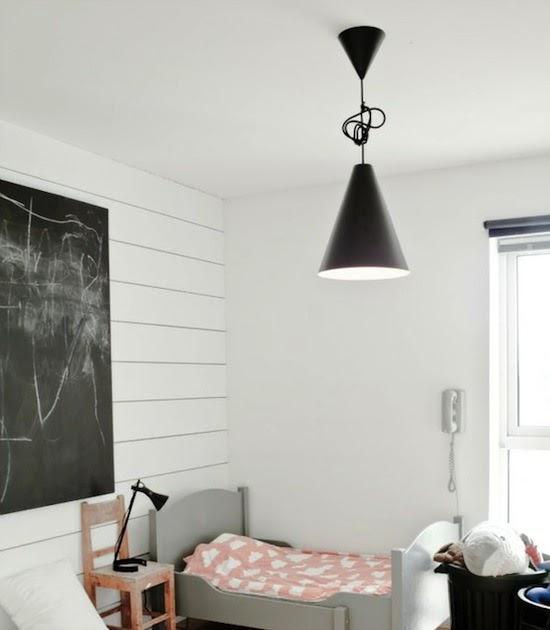 Un dormitorio infantil n rdico grandes cubos para guardar for Dormitorio infantil nordico