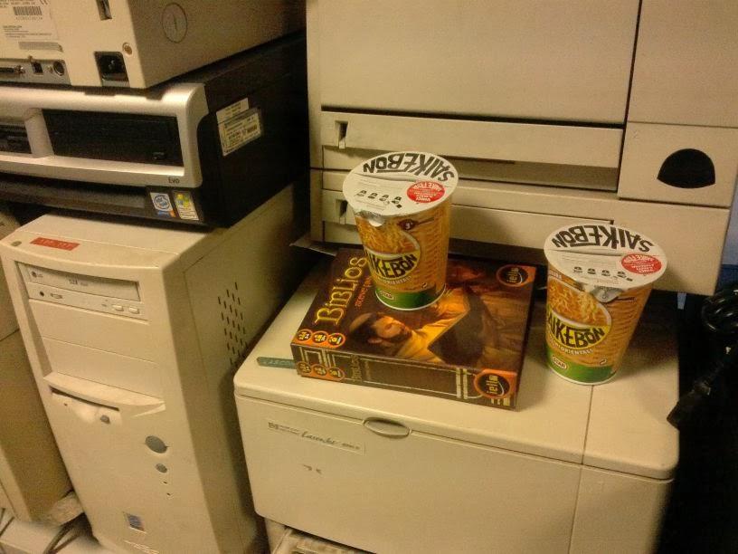 Pranzo Freddo Ufficio : Dado critico: pausa pranzo in ufficio fra noodles e biblios