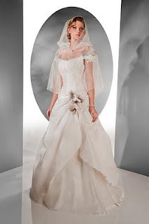 Vestidos de novia Pia Benelli Coleccion 2012