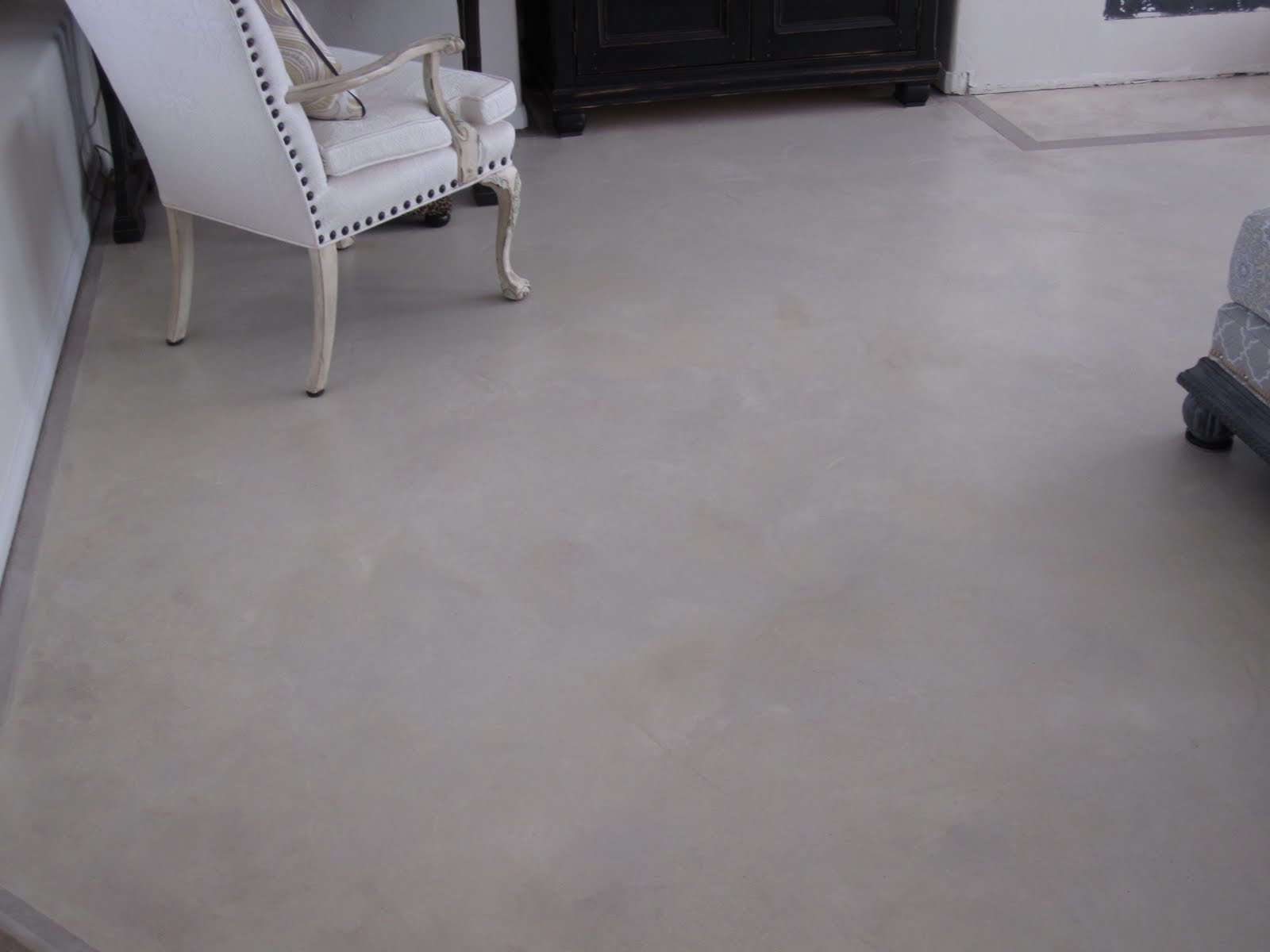 Anythingology painting stripes on concrete floors for Verniciare pavimento piastrelle