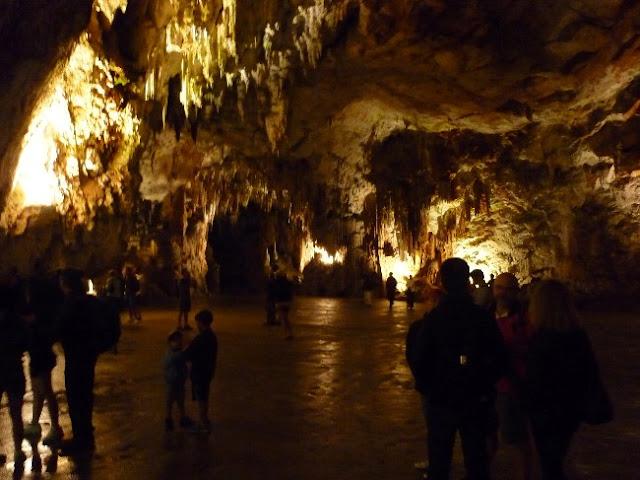 visita alle grotte di postumia, slovenia