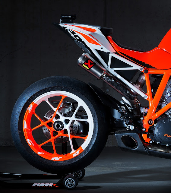 KTM SUPER DUKE 1290 R - EICMA-2012