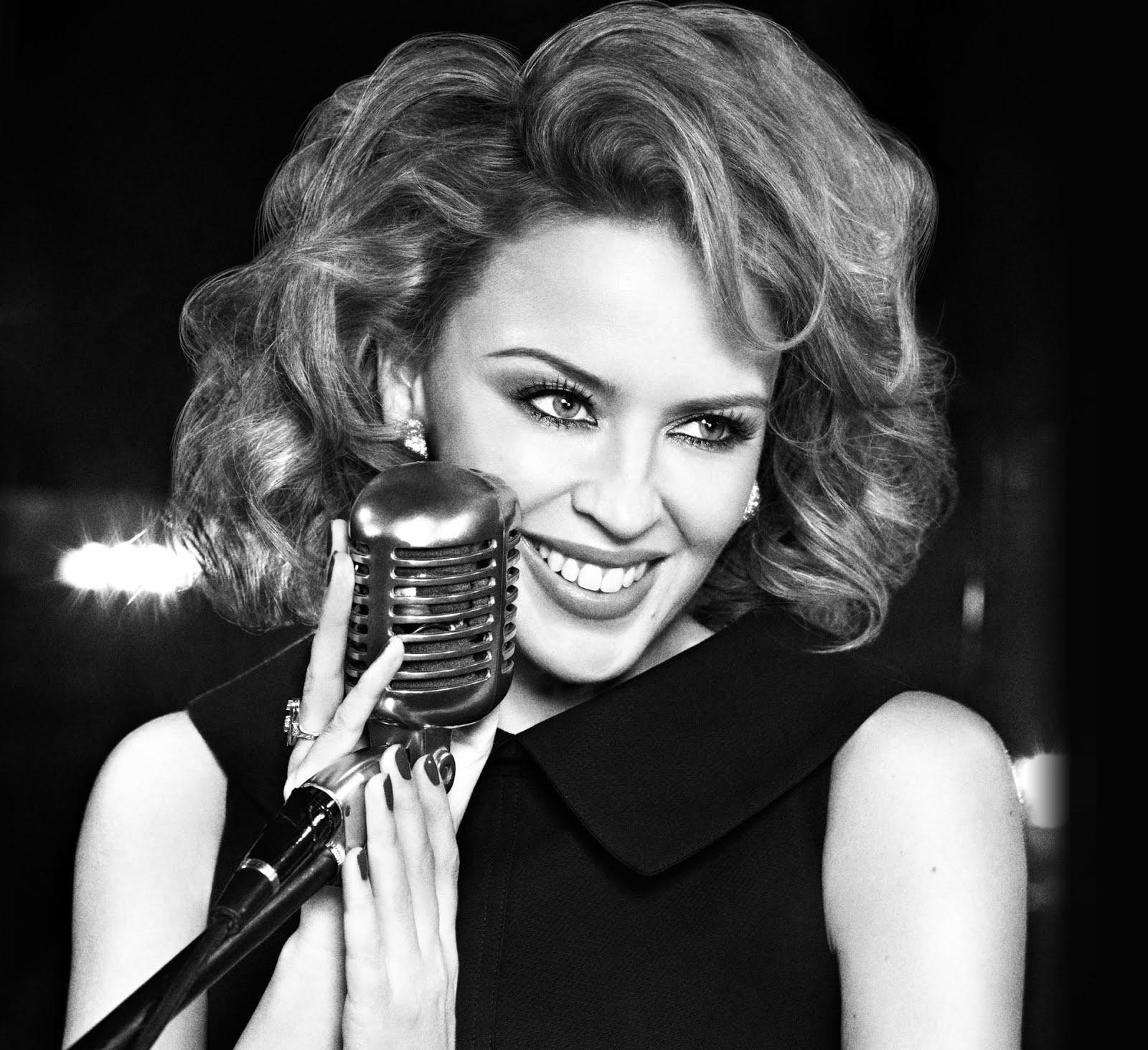 http://3.bp.blogspot.com/-AhK6BfCUu44/UI68w9F4rjI/AAAAAAAAAKI/wnZaxNSm3NE/s1600/Kylie_Minogue_The+Abbey_Road_Sessions.jpg
