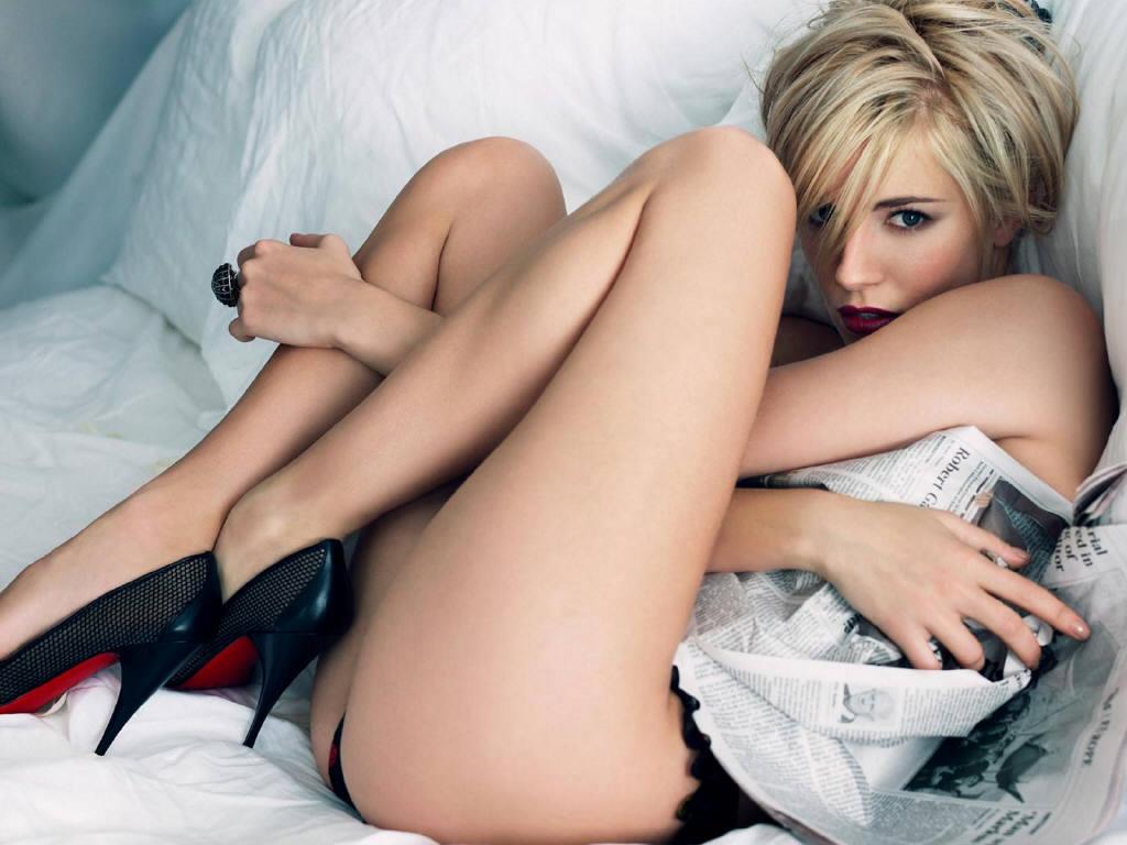 http://3.bp.blogspot.com/-AhLDnvzx5eI/T6h4ehYEOXI/AAAAAAAABto/k1W-DTB9k7c/s1600/Sienna+miller+sexy.jpg