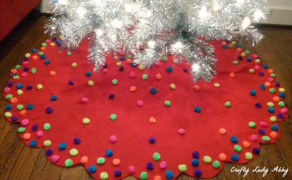 holiday diy pom pom christmas tree skirt - Diy Christmas Tree Skirt