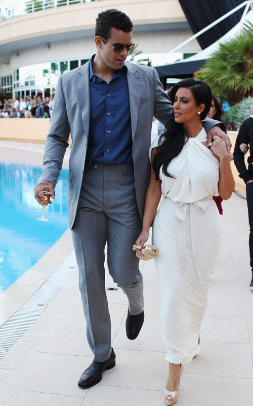 "Kim And Kris ""Debut"" In Monaco + Kourtney Helps Scott Celebrate His B-Day In Vegas!"