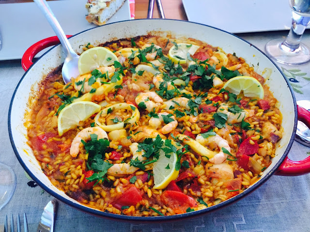 Mixed paella with chorizo, chicken and seafood