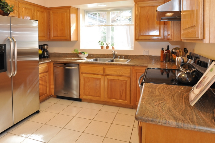 Advantages Of Oak Wood For Your Kitchen Cabinets