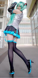 Hatsune Miku Vocaloid Cosplay by Saya