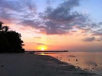 sunset di pantai sire lombok utara