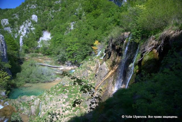 Водопады, вид с моста. Плитвицкие озера. Хорватия