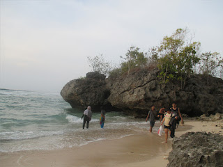 Tempat Wisata Pantai Labuan Sait