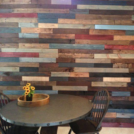 impresionantes ideas para revestir paredes con madera de palets - Revestir Paredes