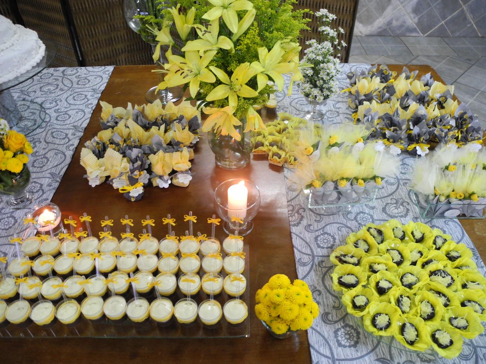 decoracao festa vovó:Acho que não falei aqui ainda, mas minha avó é doceira de mão