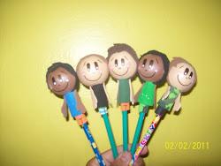 Ponteira de lápis meninos