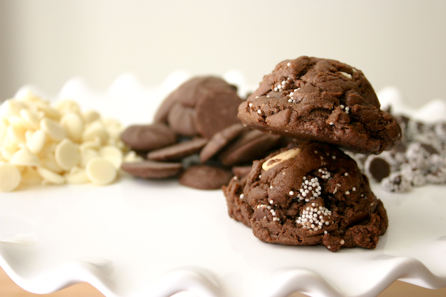 Triple Chocolate Chip Cake Batter Cookies { + Snowcaps!}.