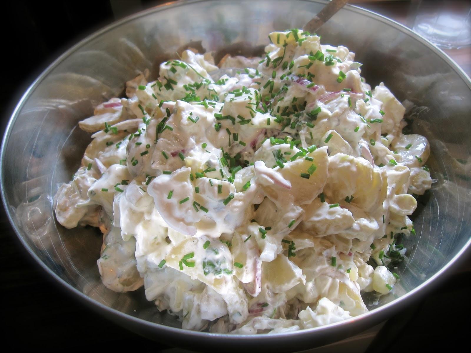 potatissallad turkisk yoghurt