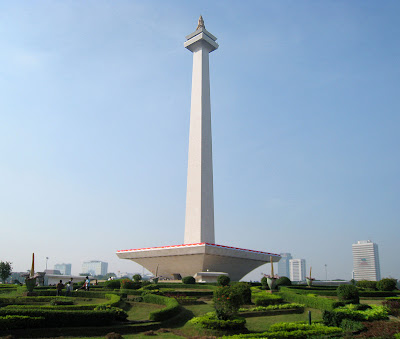 Jakarta Terancam Gempa Besar 9 SR, wah gawat kalau jakarta benar-benar dilanda bencana gempa bumi, monas, monumen nasional, D-A. Blog.