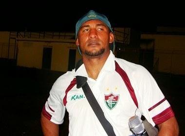 Brasão defendeu as cores do Fluminense