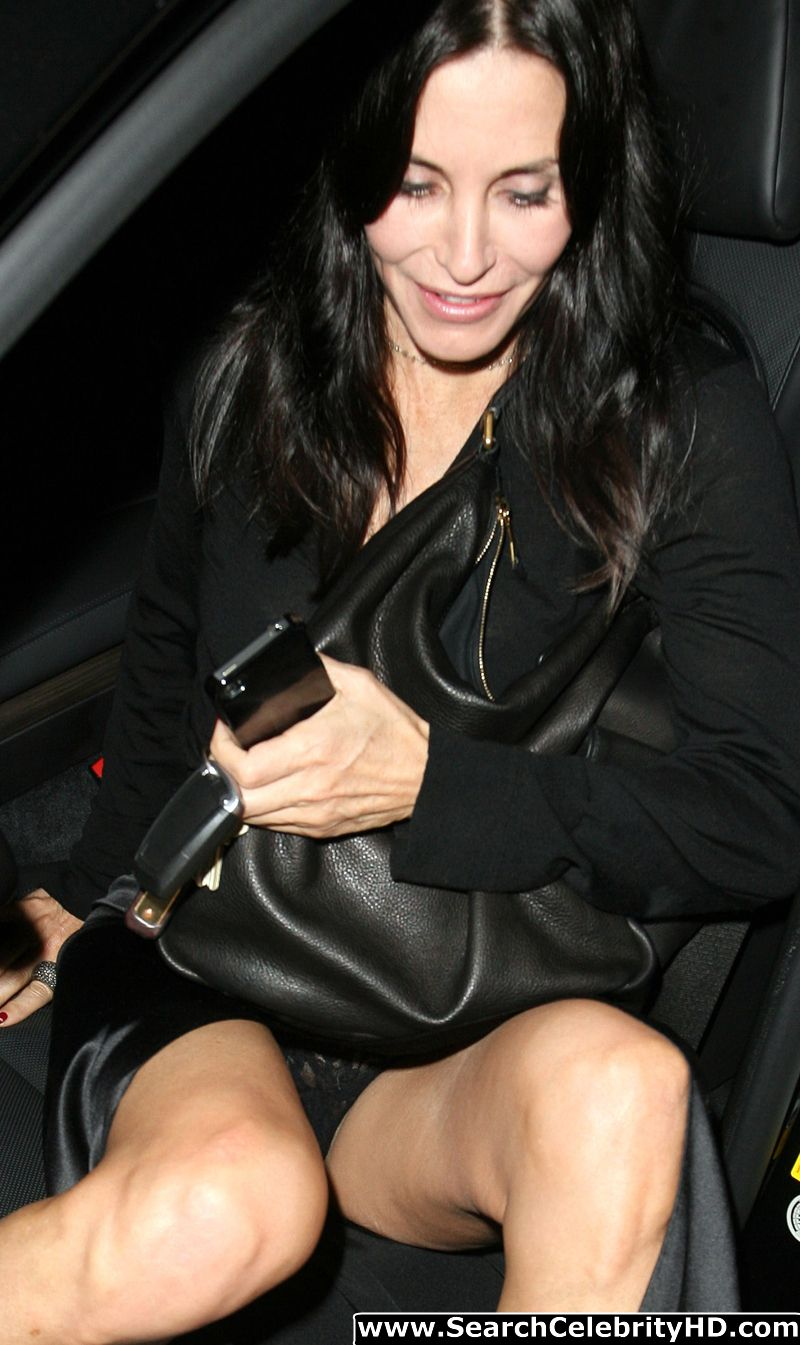 Fresh Celebrity Pics: Courteney Cox Sheer Panty Upskirt