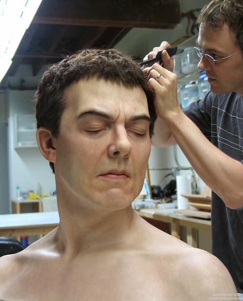 03-Jamie-Salmon-Self-Portrait-Avatar-Hyper-Realistic-Sculptures-Artists-www-designstack-co