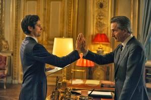 Raphaël Personnaz y Thierry Lhermitte en Crónicas diplomáticas