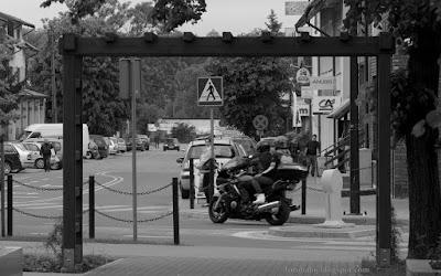 http://fotobabij.blogspot.com/2015/09/w-ramach-fotografii-ulicznej-5.html