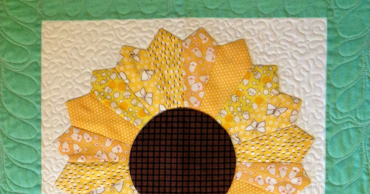 Starwood Quilter: Dresden Plate Quilt Block - Quilting with The Pickles