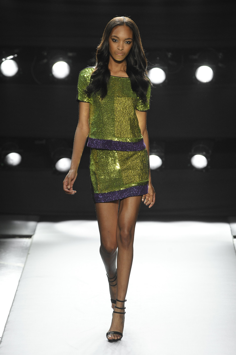via fashioned by love | Gianfranco Ferre Spring/Summer 2011 | green