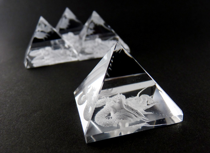 ドラゴン水晶シールド・ピラミッド4個セット