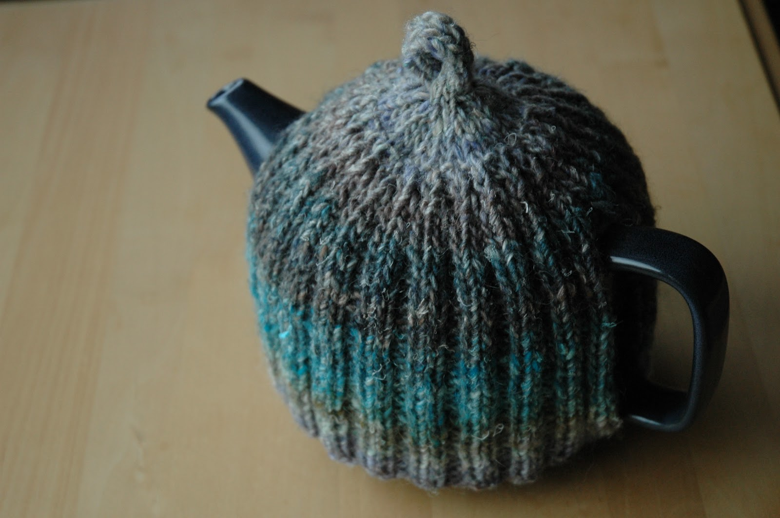Noro tea cozy