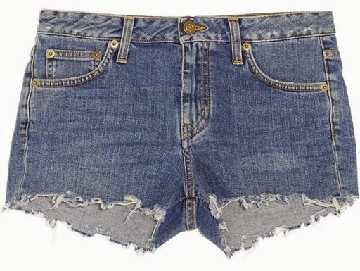 Model celana pendek denim dari Saint Laurent ($470)