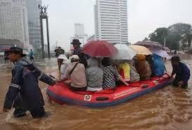 120 MIL AFECTADOS POR INUNDACIONES EN YAKARTA